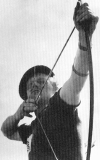 Jack-Churchill-with-bow-w