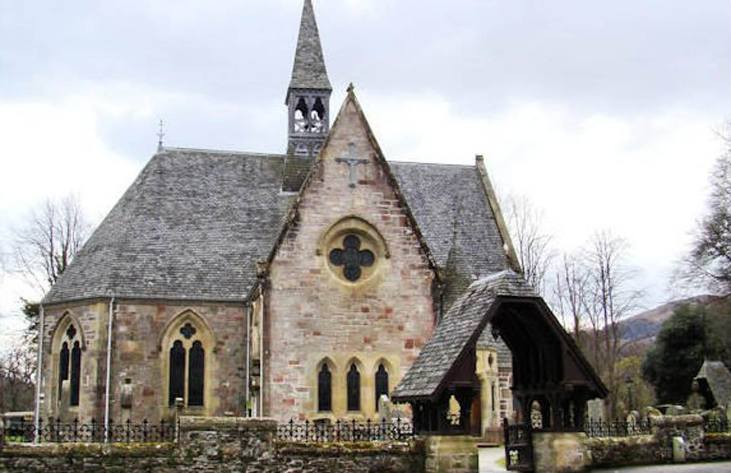 Luss_Church