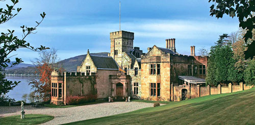 craigrownie-castle-side-view-w
